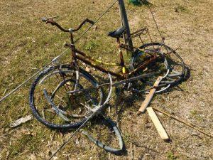 錆びた自転車